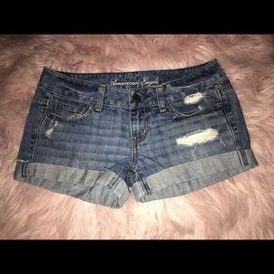 American Eagle 🦅 Distressed Denim Shorts Size 4